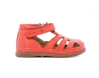 Sandale Pom d'Api rouge – premiers pas